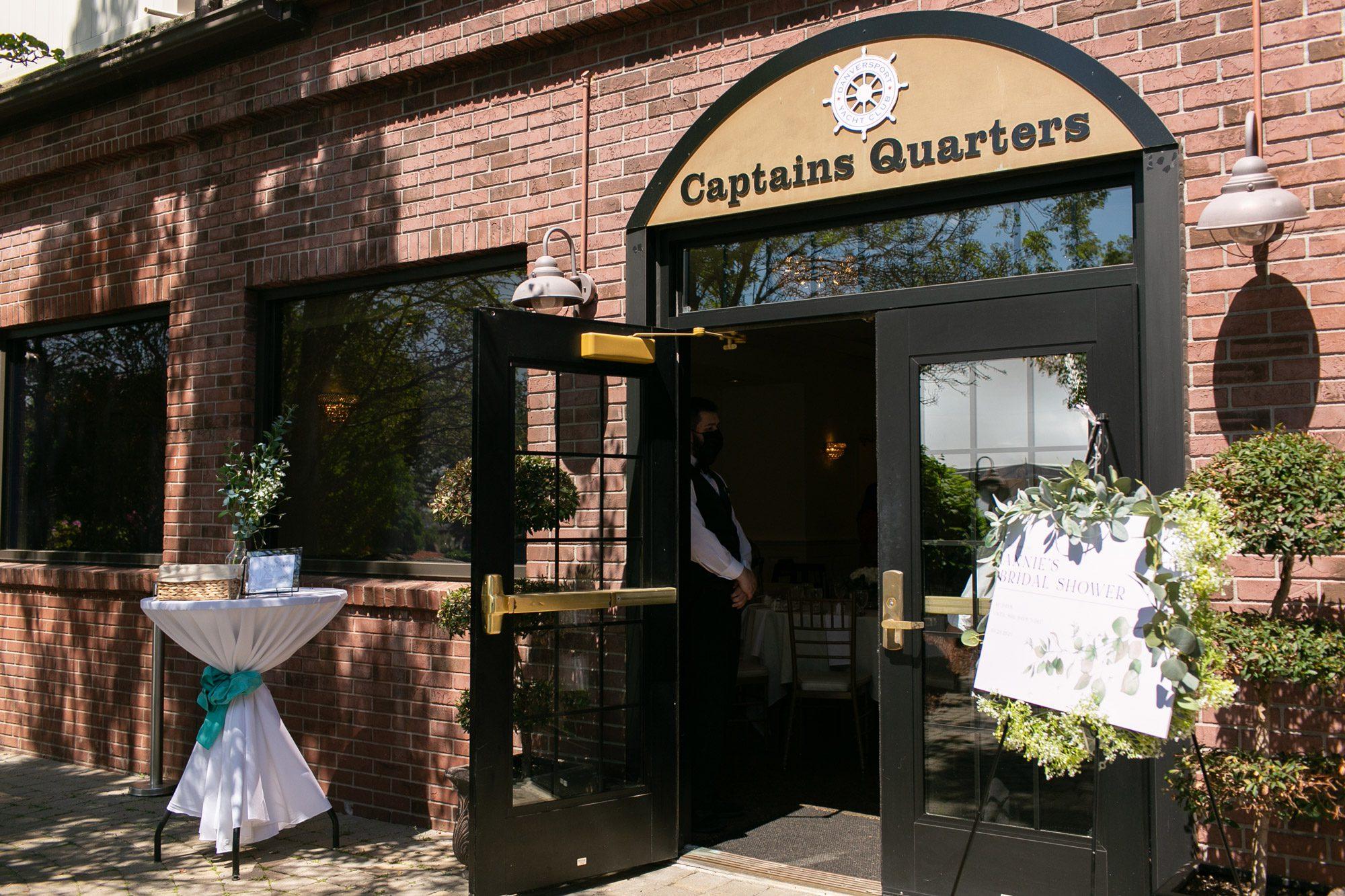 The entrance to Captain's Quarters at Danversport