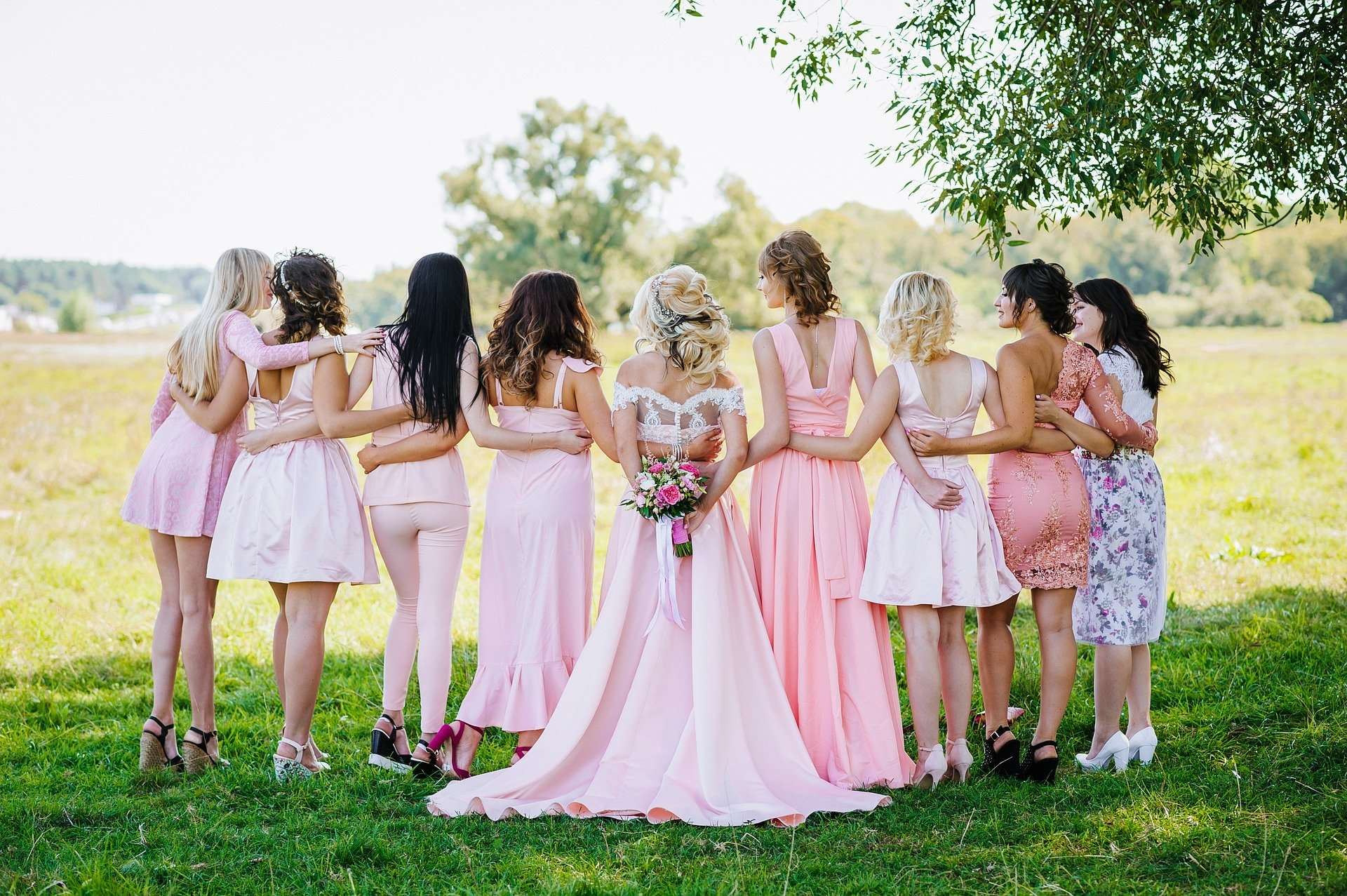 Bridesmaid Trends for 2021 - Photo of bridesmaids